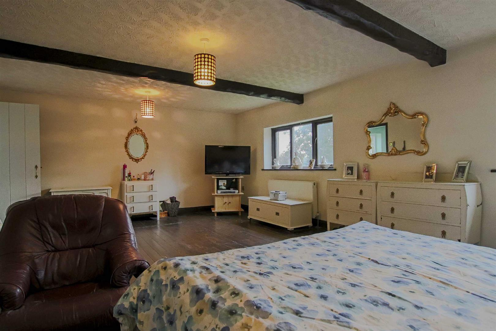 9 Bedroom Barn Conversion For Sale - Image 14